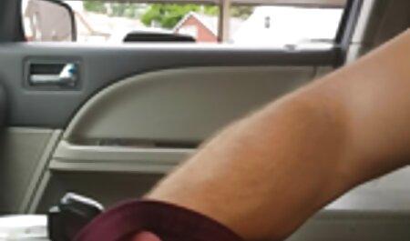 Vitka guza sjedila retro xxx tube je na dlakavom penisu