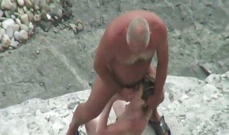 Marina pokazuje vintage porno movis fetiš ubojicu u prirodi