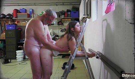 Ludi seks dviju best retro xxx lezbijki, lizanje maca i debeli jebač vibratora