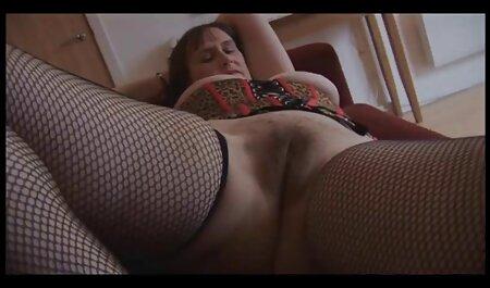Charlie Chase masturbira porn film retro u donjem rublju