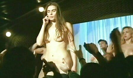Beba se sex vintage film bavi vježbama, a đak njuška međunožje